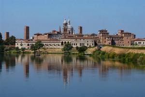 Autopůjčovna Mantova